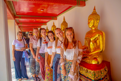 Backpacking Tours Thailand group photo